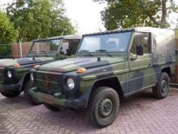 Джип « Мерседес-Бенц 250GD».