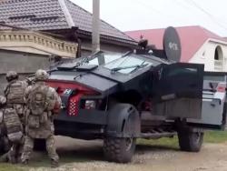 """Россия испытала в Дагестане новый броневик """"Каратель""""."""